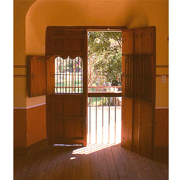 Mexican style for Colonial windows and doors